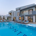 Infinity pool at luxury villa Orizontes