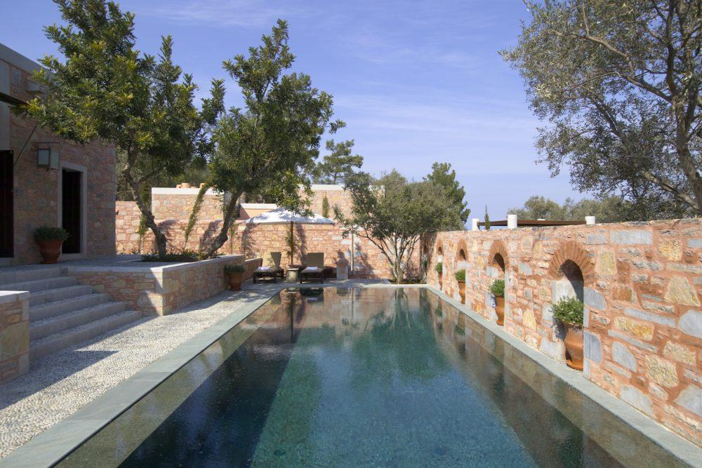 Pool Pavilion – Garden view