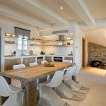 Indoor dining at villa Moni