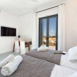 Twin beds at villa Faragas