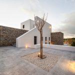 Villa Faragas exterior and garden